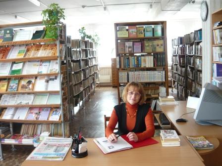 Петровская Ольга Николаевна  заведующая библиотекой