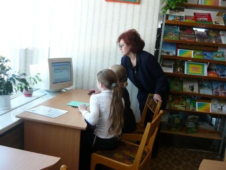 Соколовская Нина Евгеньевна  библиотекарь